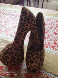 Sapato pouco tempo de uso
