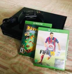 Xbox One - 500gb (Acompanha 2 jogos e controle sem fio)