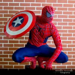Personagem vivo super Homem Aranha