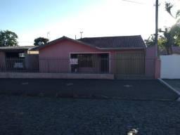 Ótima residência em Uvaranas!!!