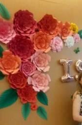 Flores e folhas de papel para decoração de festas