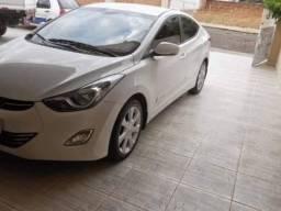 Hyundai Elantra 1.8 Gls Aut. 4p - 2013