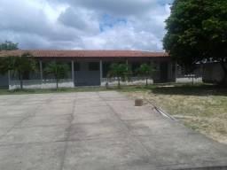 Granja com 3.000 m², casa e mais 6 apartamentos, piscina,poço, em tapará a 5 km de macaíba
