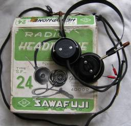 Antigo Headphone Type S.F-24 fabricado pela Sawafuji MFG. Co., Ltd