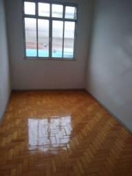 Aluga-se Apartamento em Olaria
