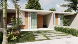 Vendo casa plana no Eusébio com 140 m2 e 3 suítes. Excelente localização.