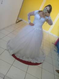 Vendo loja de noiva com bastante vestidos damas noivas ternos debutante gravatas sapatos