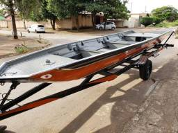 Barcos e lanchas de aluminio