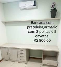 Bancada de Madeira c/ Prateleira, Armário e Gavetas