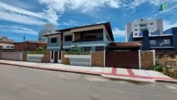 Linda casa duplex em Guarapari na Enseada Azul com área de lazer.