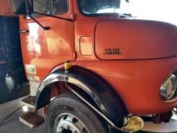 Caminhão 1516, ano 75