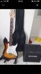 Guitarra mais amplificador meteoro