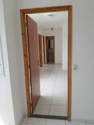 Alugo apt no condomínio vila Bragança