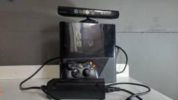 Xbox 360 - Kinect e caixa original. preço negociável