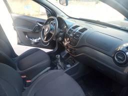 Carro muito bem cuidado