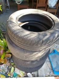 Vendo 3 pneus 15 e um 14