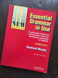 Livro Essential grammar in use - nível básico