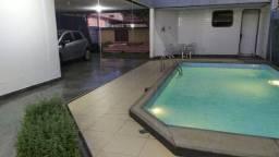 RE-Oportunidade de morar em Casa na Praia da Costa,com 340m²,piscina,churrasqueira e sauna
