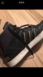 Tênis Adidas, modelo para treino ou casual
