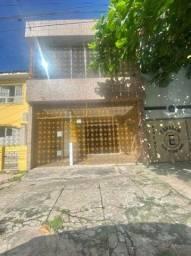 Casa de 2 pavts na B. Campos