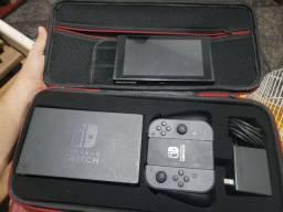 Nintendo switch completo sem marcas de uso com maleta