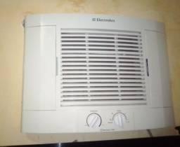 Ar condicionado Eletrolux 7500 BTUs 220 volts