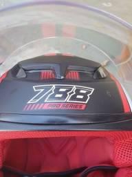 Capacete Pro Series Evolution 788<br><br>