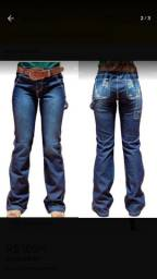Botas texanas e calças carpinteira