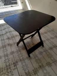 Jogo de mesa de madeira