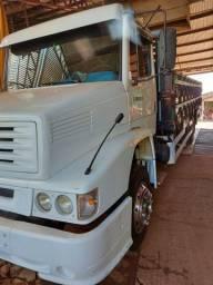 Caminhão mb l 1218 r 4x2 com carroceria ano 1999