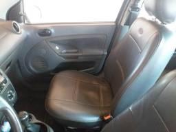 Vendo carro 13.500 - 2007