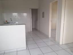 Alugo Apartamento em São Jorge , com 02 Quartos e 1 Suíte