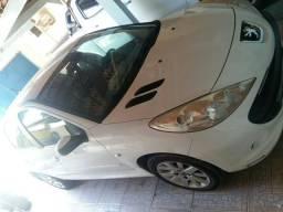 Peugeot 207 automático - 2011