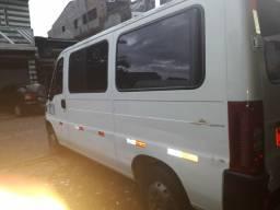 Vende-se uma van