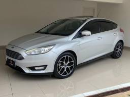 Focus Hatch Titanium Automático 2017