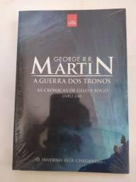 A Guerra dos Tronos - As Crônicas de Gelo e Fogo - Livro 1 - George R.R. Martin R$30,00