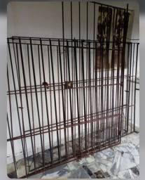 Vendo grades para janelões e portão com fechaduras