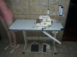 Vendo duas maquinas de costura semi novas