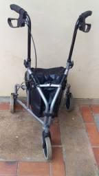 Andador para idoso e deficiente