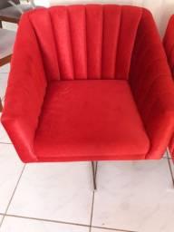 Poltronas vermelhas de veludo usada