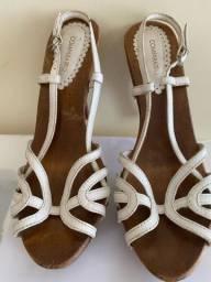 Sandália alta da Comparatto em madeira