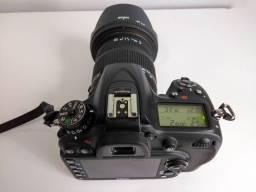 Camera Nikon D7200 + lente + flash
