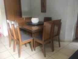 Mesa de jantat quadrada com 8 cadeiras