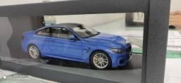 Miniatura 1:18 BMW M4 Oficial
