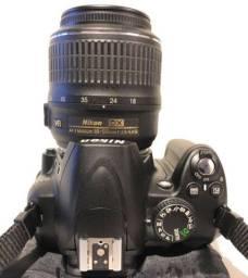 Máquina fotográfica nikon D3000 18-55mm