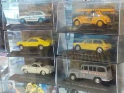 Carros colecionáveis varios modelos material ferro , pneu de borracha