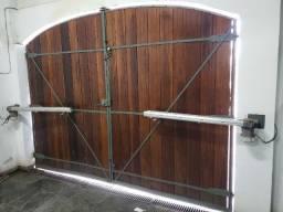 Portão de madeira MACIÇA reforçado