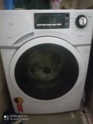 Máquina de lavar da Midea.