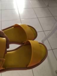 Vendo sandália Melissa número 30