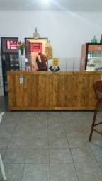 Vendo balcão de madeira 2.10 MT churrasqueira de Espetinho..baleiro